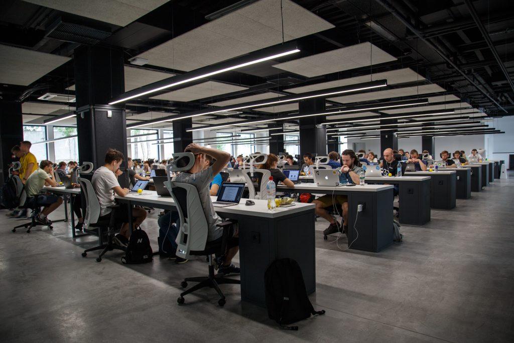 Un open-space dans une entreprise