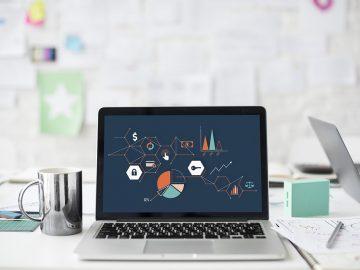 ordinateur portable avec graphiques à l'écran